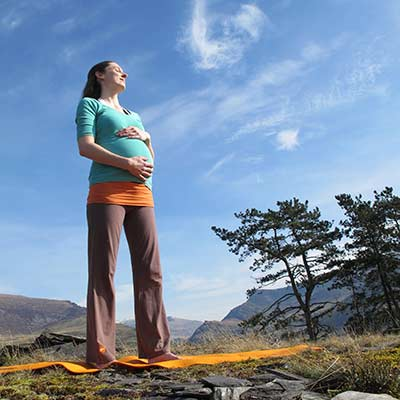 Dru prenatal yoga in nature