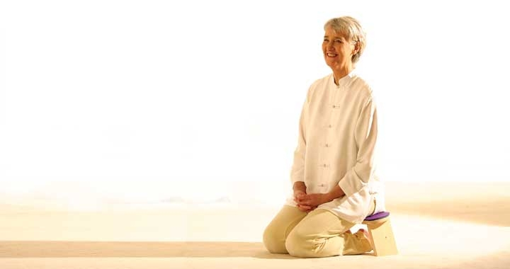Elizabeth Dru Meditation Teacher Trainer Sitting