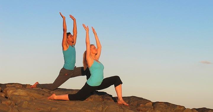 Dru yoga sun salutation